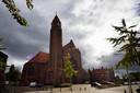 De Norbertusparochie in Roosendaal wil de Sint Josephkerk (met daarnaast de pastorie) als enige katholieke kerk in de stad open houden.