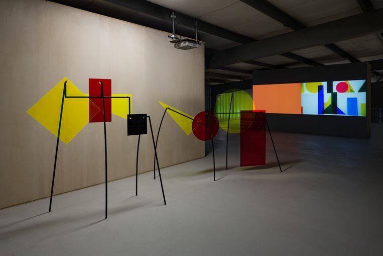 Bij de tentoonstelling aan de Melaniaweg draait het om de fragmentatie van de wereld. Beeld