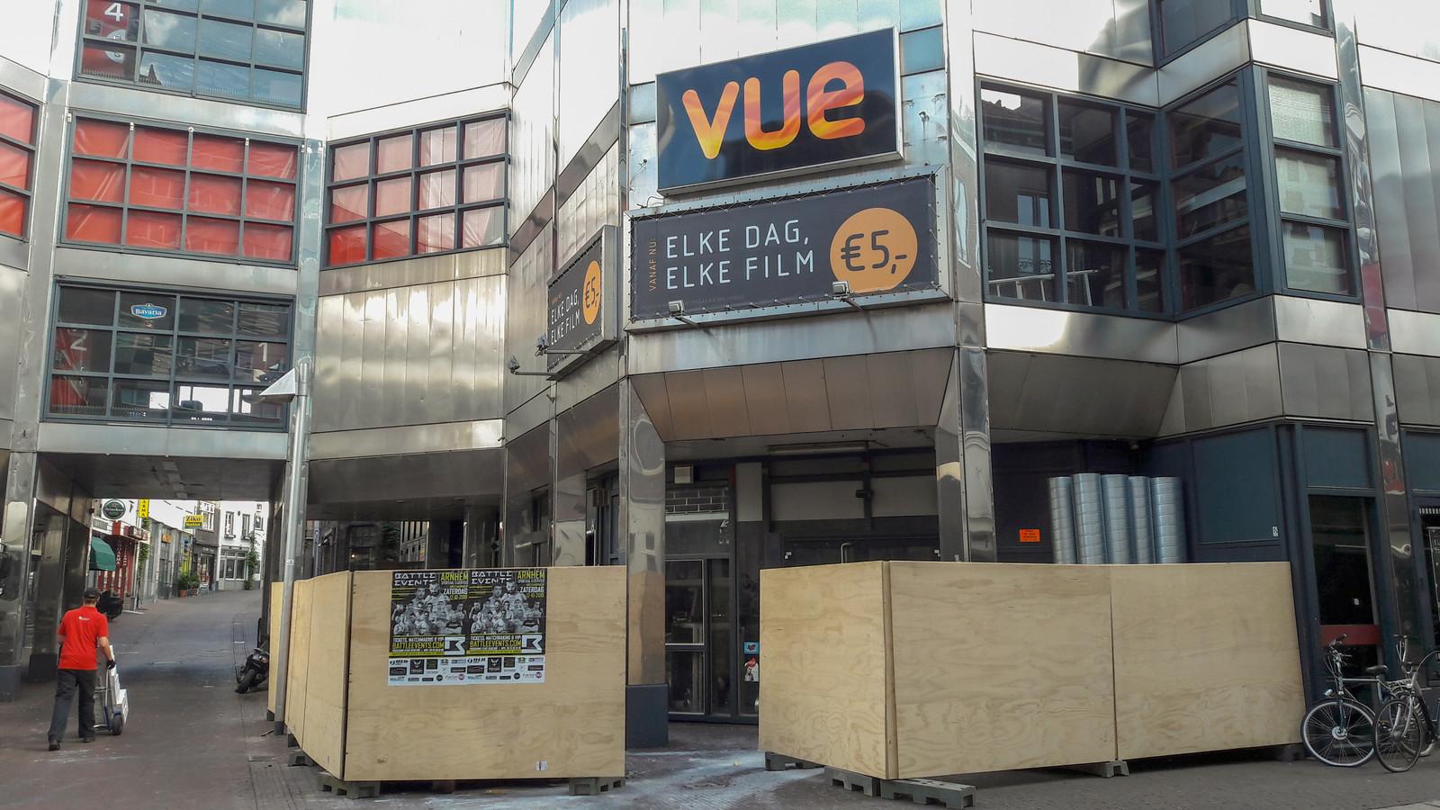 De verbouwing van Vue Arnhem op de hoek van de Rijnstraat en de Hoogstraat, hier op archiefbeeld, is bijna klaar.