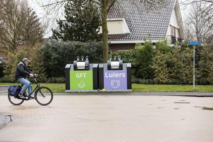 Een aparte container voor luiers: West Betuwe krijgt ze ook. Hier in Bunschoten-Spakenburg worden luiers al apart ingezameld.