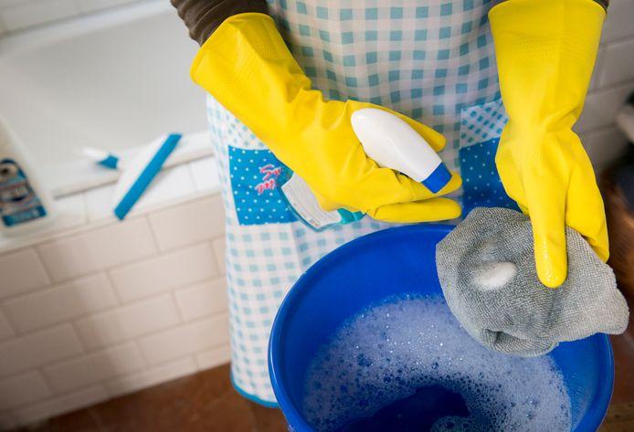 Scalabor en ROC Rijn IJssel zetten een gezamenlijk leer-werktraject op dat mensen in Arnhem en omgeving onder meer moet klaarstomen voor werk in de schoonmaakbranche.