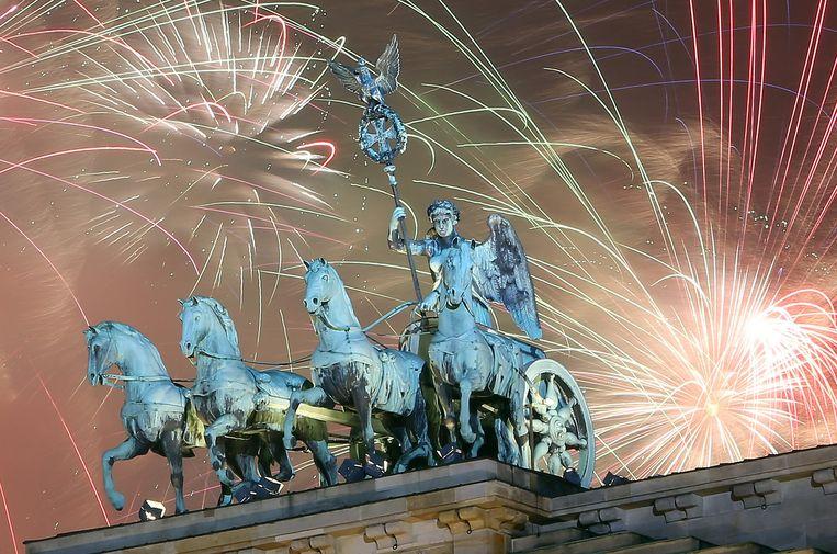 Het vuurwerk in Berlijn op 1 januari 2015. Beeld GETTY