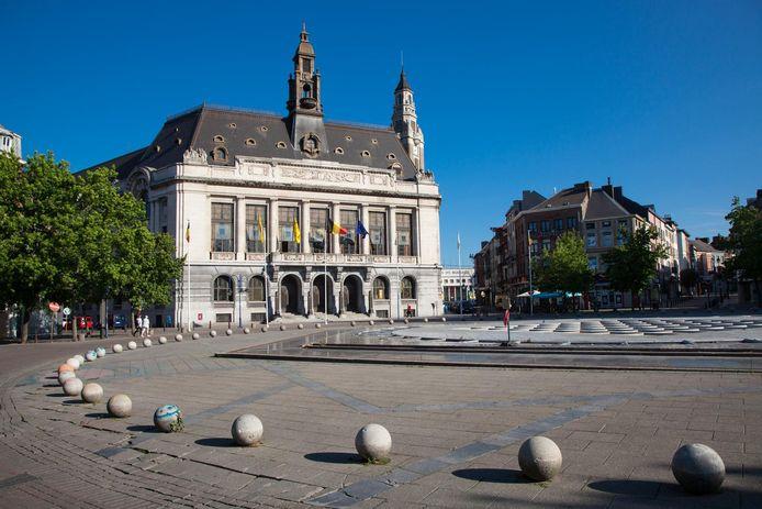 Hôtel de Ville / Maison Communale de Charleroi sur la place Charles 2, 01/07/14        PICTURE NOT INCLUDED IN THE CONTRACT