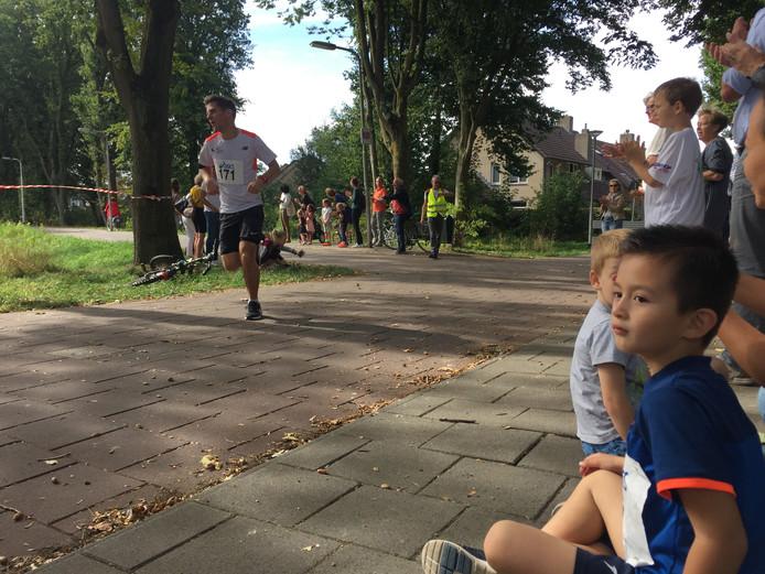 Job van der Velden, winnaar van de eerste Blaak Run in Tilburg
