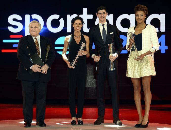 De winnaars van de dag: Robert Waseige namens Marc Wilmots, Michèle George, Thibaut Courtois (en de Rode Duivels) en Nafi Thiam