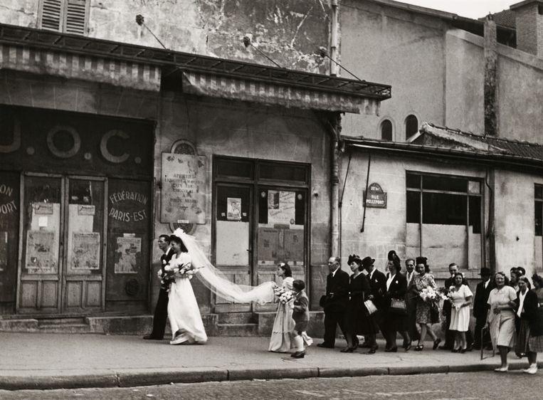 Een bruiloft in Parijs, 1948 Beeld Cas Oorthuys