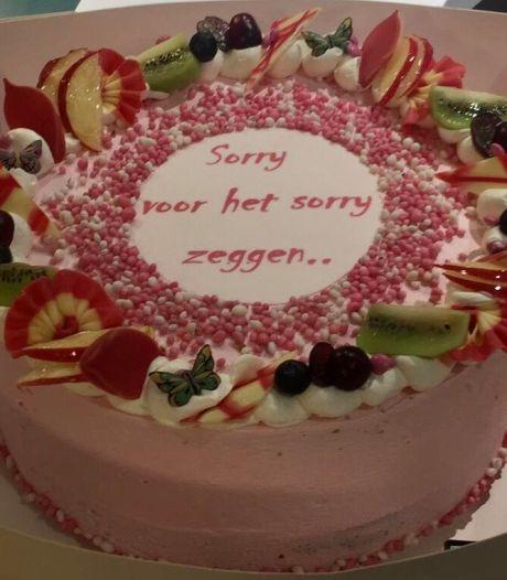 Verloskundige krijgt taart omdat vrouw te vaak 'sorry' zei tijdens de bevalling