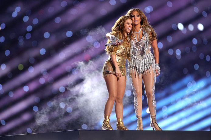 Shakira en Jennifer Lopez tijdens de Super Bowl 2020 in Indianapolis.