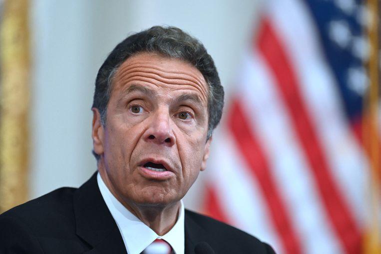 De gouverneur van New York neemt ontslag nadat 11 vrouwen hem beschuldigen van grensoverschrijdend gedrag. Beeld AFP