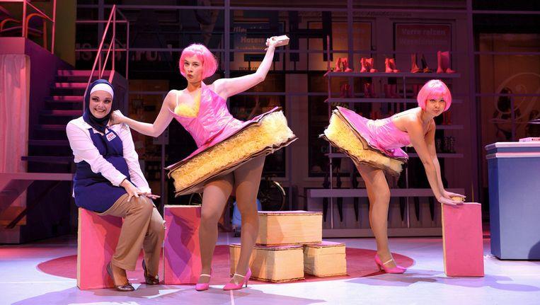 Hema de musical is een feelgoodverhaal dat volledig op humor drijft. Beeld Deen van Meer