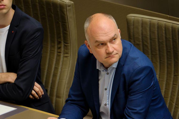 Björn Rzoska neemt het op tegen Meyrem Almaci. Beeld BELGA