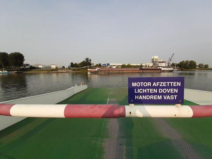 Het Huissense Looveer vaart richting Betuwe, afgelopen september.