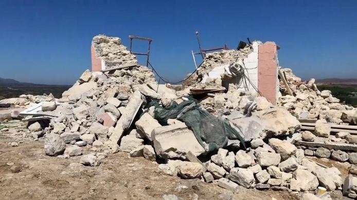 Op het Griekse eiland Kreta heeft een zware aardbeving plaatsgevonden. Dat meldt het Europees Mediterraans Seismologisch Centrum (EMSC) maandagochtend. Lokale media melden zeker één dodelijk slachtoffer. Negen anderen raakten gewond.