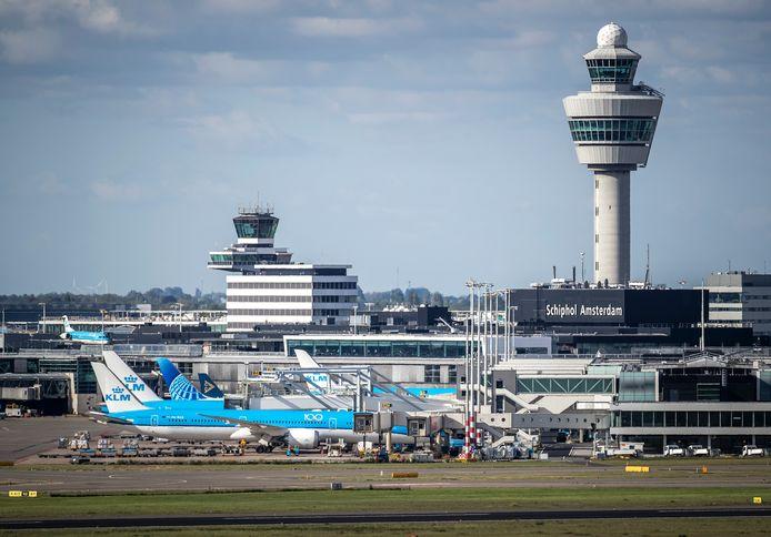 Toestellen van de KLM op luchthaven Schiphol.