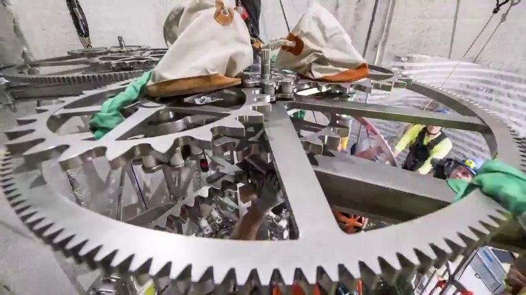 Beeld van de 'Clock of the Long Now' die op dit moment gebouwd wordt in een berg op privéterrein van Amazon-baas Jeff Bezos. Beeld RV