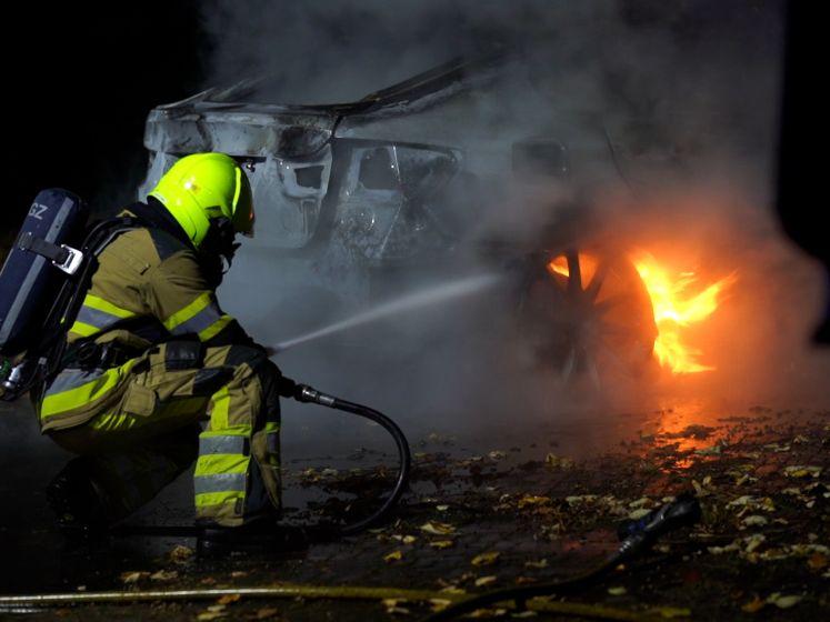 Geparkeerde auto brandt volledig uit in Wijchen