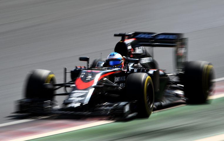 De McLaren van Alonso in Hongarije. Beeld getty