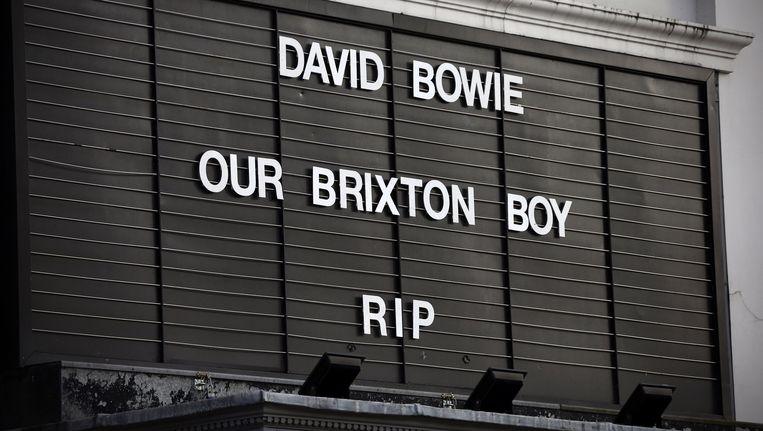Een eerbetoon aan David Bowie aan het Ritzy Cinema in Brixton. Beeld Getty Images
