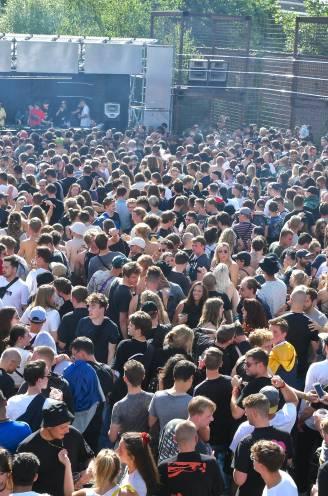 Het lange wachten maakt festivals dit jaar dubbel zo gegeerd, zelfs al zijn er bubbeltafels en coronatesten