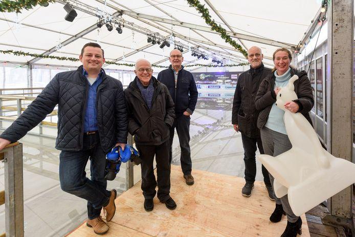 De organisatie van de Veldhovense ijsbaan die dit jaar haar 10-jarig bestaan viert.