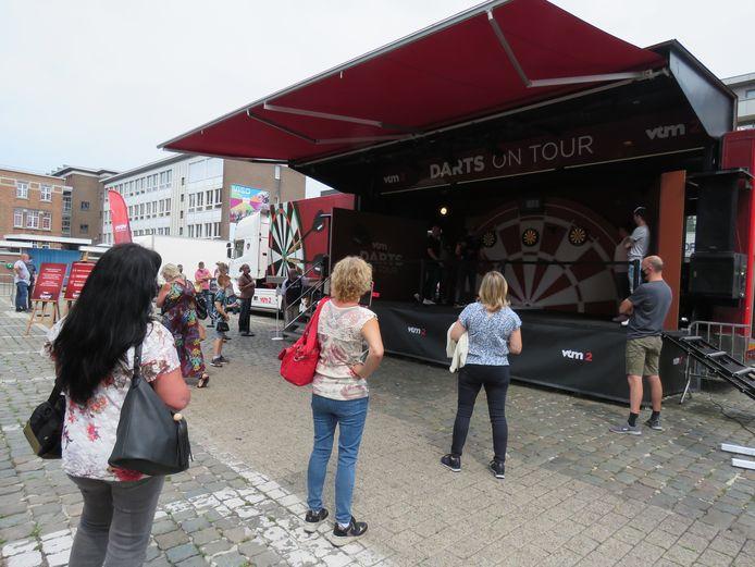 Darts on Tour streek zaterdag neer op het Roeselaarse Polenplein.