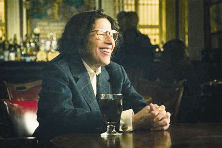 Pretend It's a City (L to R) Fran Lebowitz as Fran Lebowitz in episode 106 of Pretend It's a City Cr. COURTESY OF NETFLIX � 2020 Beeld COURTESY OF NETFLIX