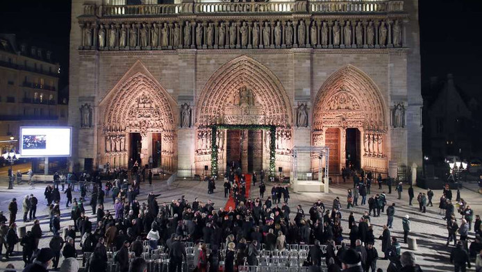 Notre Dame Viert 850ste Verjaardag Buitenland Ad Nl