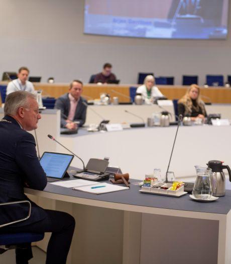 Smeekbede aan fracties in gemeenteraad Almelo: je hoeft niet over elk onderwerp iets te zeggen