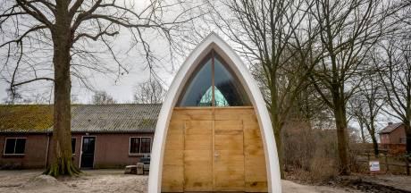 Oud geloof, nieuwe kapel in Enter