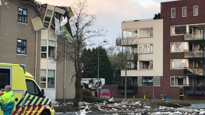 Bovenste verdieping appartementsgebouw door explosie volledig verwoest