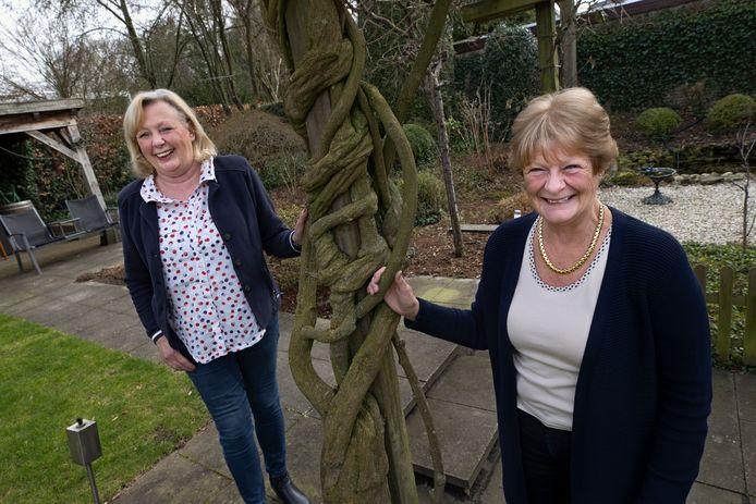 Marion Coolen (l) en Veronique van Loon zetten zich al 25 jaar in voor Make-A-Wish.