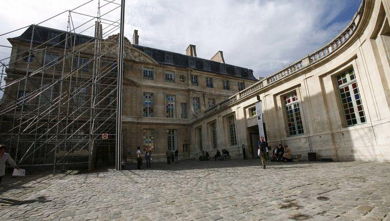 Volgens een bron bij de politie werd de diefstal dinsdagmorgen ontdekt in het museum, gesitueerd in de oude wijk Marais. Foto EPA Beeld