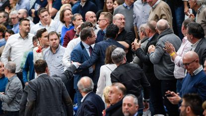 'Supporter' belaagt De Wever op basketmatch