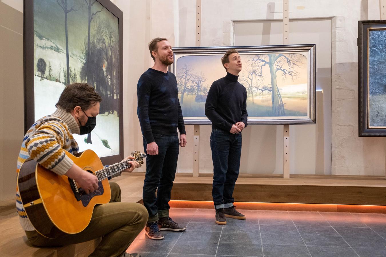 MECHELEN Jelle Cleymans en Jonas Van Geel zingen Wij Zullen Doorgaan bij de her-heropening van Kunstuur