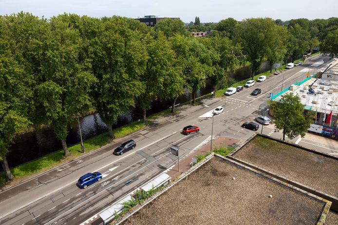 De gemeente gaat het deel van de Zuid-Willemsvaart tussen Kardinaal van Rossumplein en de Muntelbrug opnieuw inrichten.