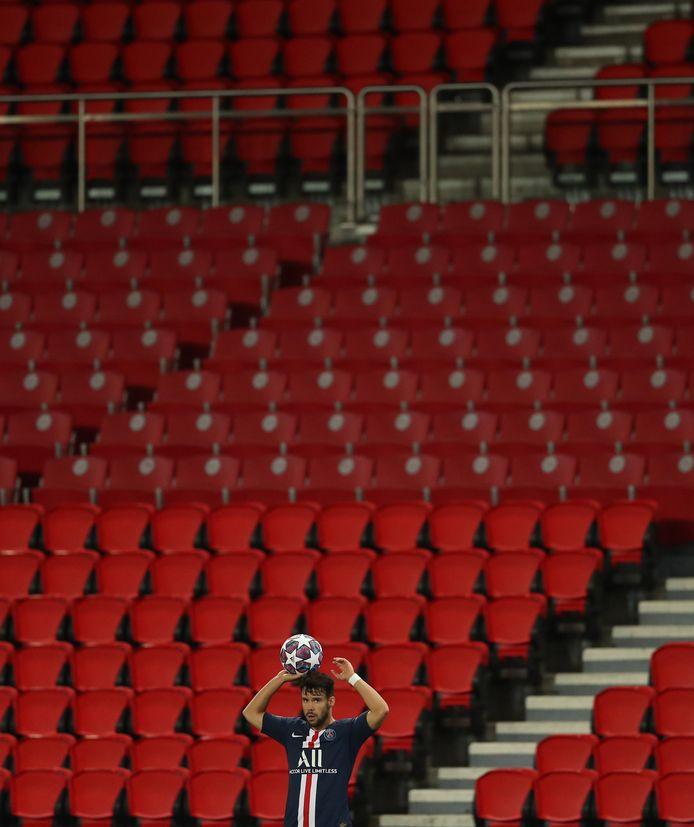 Ook in Parijs bleven de tribunes leeg.