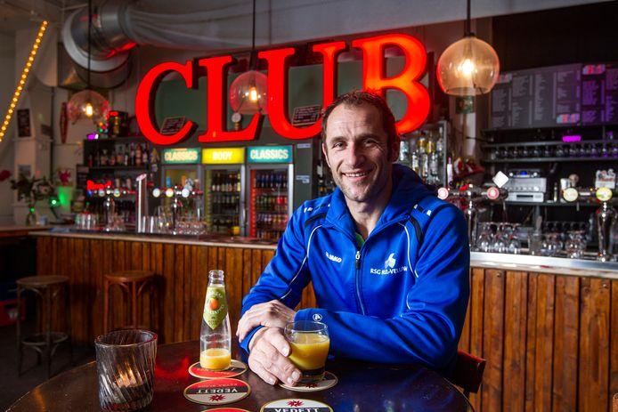Sander Poll is op zijn plek bij SC Overwetering, dat voor een vierde jaar doorgaat met de trainer.