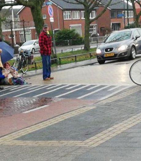 Fietsster gewond bij aanrijding door motor in Bunschoten