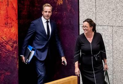 minister-de-jonge-draagt-deel-taken-over