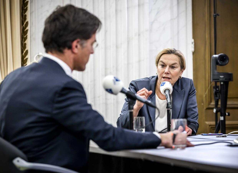 Sigrid Kaag (D66) en Mark Rutte (VVD) tijdens het NOS Radiodebat, eind februari. Beeld Remko de Waal / ANP