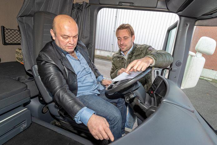 Bij Bentvelzen Transport uit Alphen zijn statushouders opgeleid tot chauffeurs om de vacatures ingevuld te krijgen. Operationeel directeur Peter van der Sterre geeft uitleg.