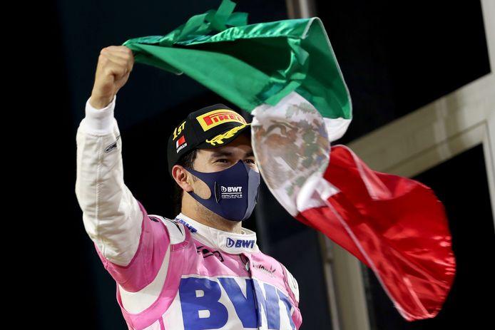 Sergio Pérez na zijn gewonnen Grand Prix in Bahrein op 18 december.