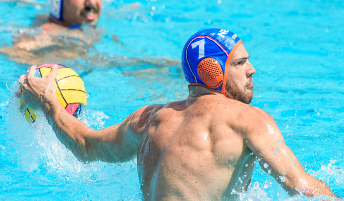 Lars Gottemaker in actie voor Nederland op het EK in Barcelona.
