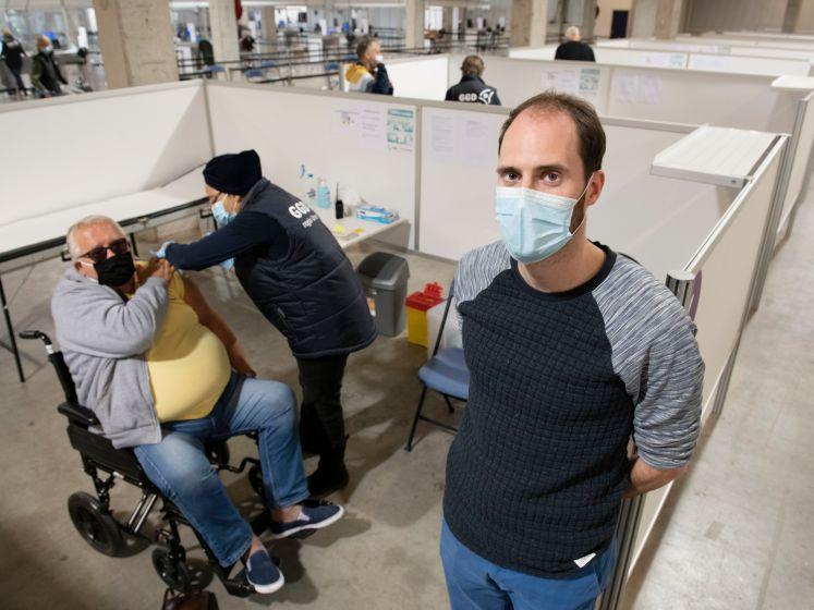 Grote vaccinatielocatie GGDrU opent in Nieuwegein: 'We kunnen hier 10.000 mensen prikken'