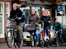 Geen handhaving bij naast elkaar rijdende fietsers