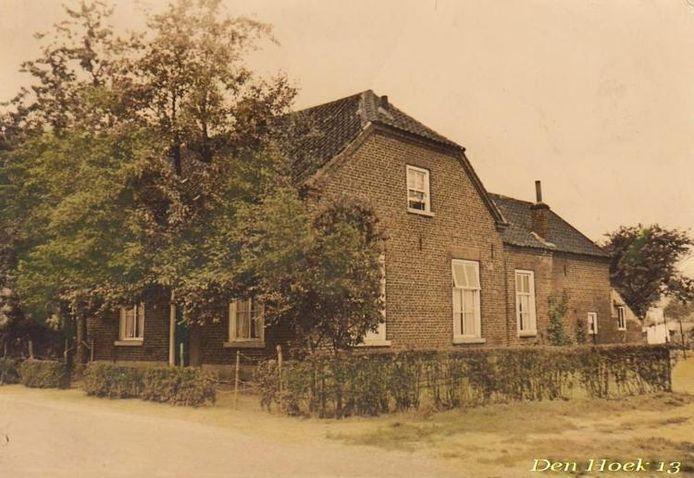 Het schooltje aan Den Hoek ging in 1928 dicht en is inmiddels gesloopt. foto Heem Sint Tunnis