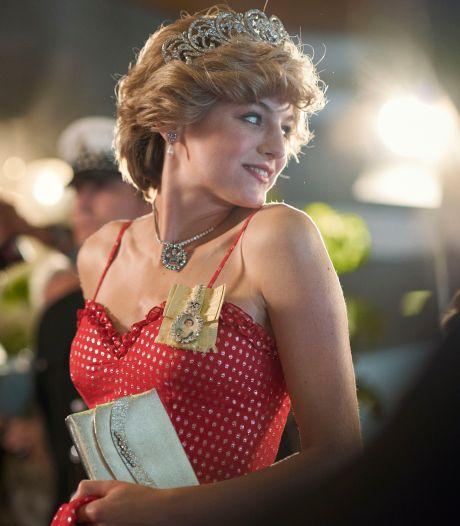 Prinses Diana-actrice Corrin naar ziekenhuis na draaidag in zwembad
