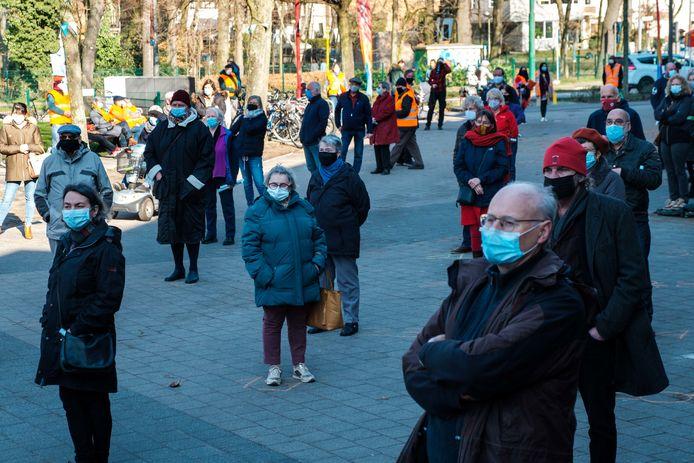 Coronaveilige protestactie van PVDA Deurne en Borgerhout.