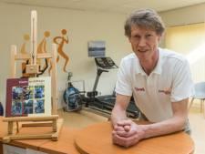 Fysiotherapeut Sjaak Coenen uit Riethoven behandelt in zijn eerste boek de zelfregie van het leven