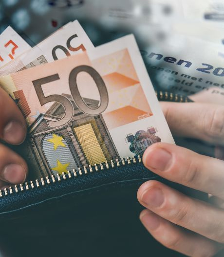 Werkende houdt netto tientallen euro's meer over, gepensioneerde ziet pensioen dalen